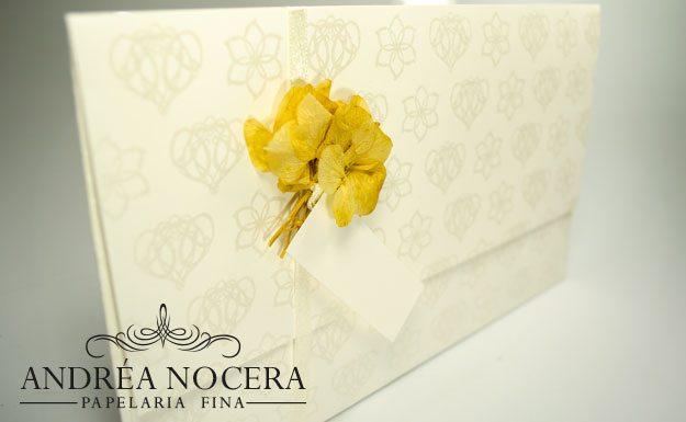 Convite de Casamento com flor desidratada