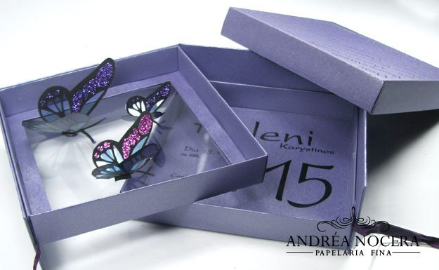 Convite de 15 anos lilás com borboletas