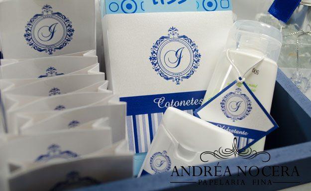 Kit-Toalete Azul e Branco