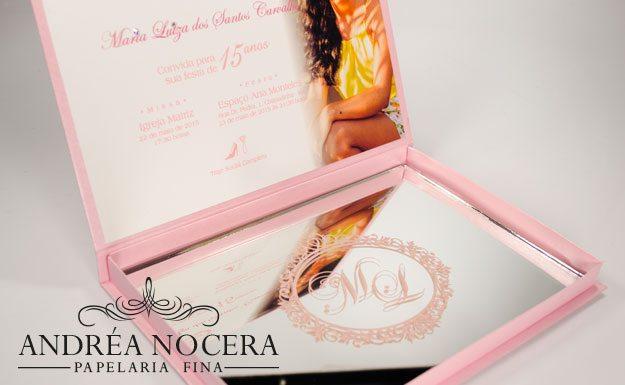 Convite de debutante rosa com espelho