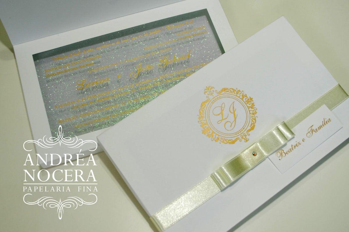 Convite de Casamento Branco com Gliter