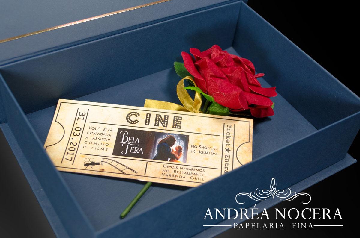 Convite de debutante com o tema a Bela e a Fera