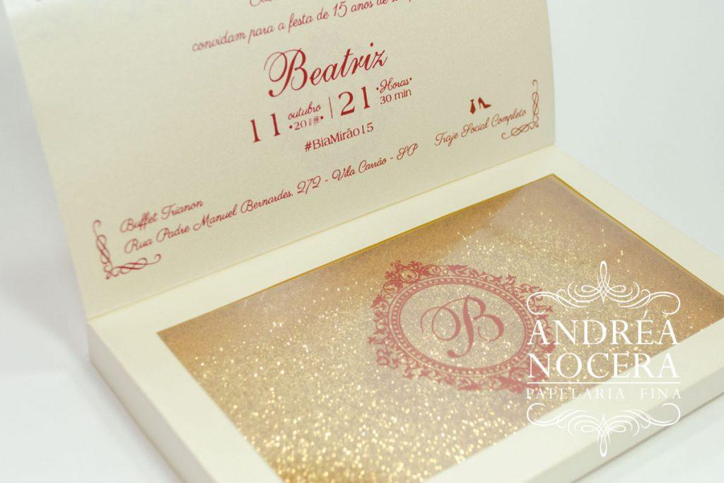 Convite de Debutante com Gliter Dourado