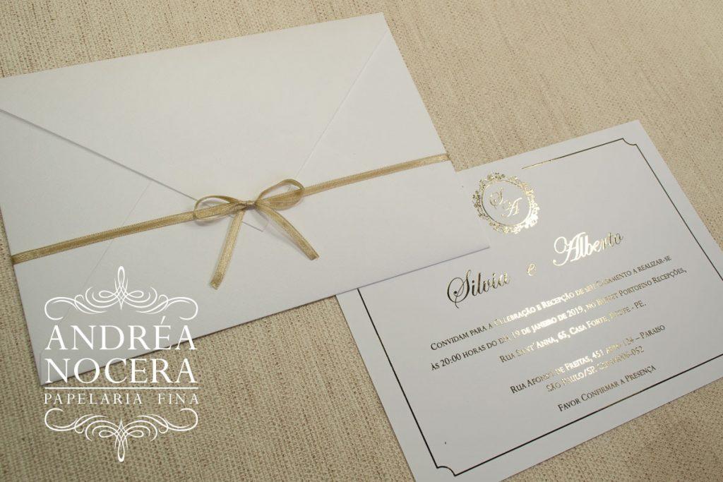 Convite Clássico com impressão em hot-stamping Dourado
