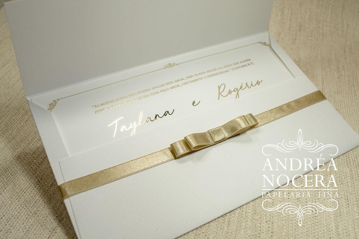 Convite de Casamento com Impressão em Hot-Stamping Dourado