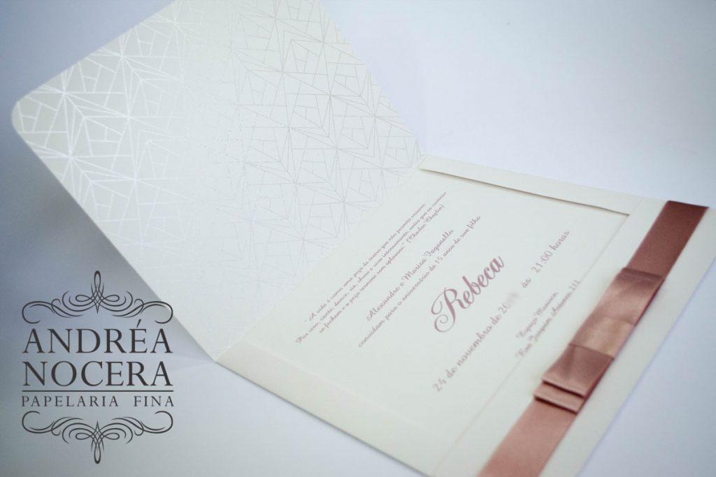 Convite Debutante branco e rose