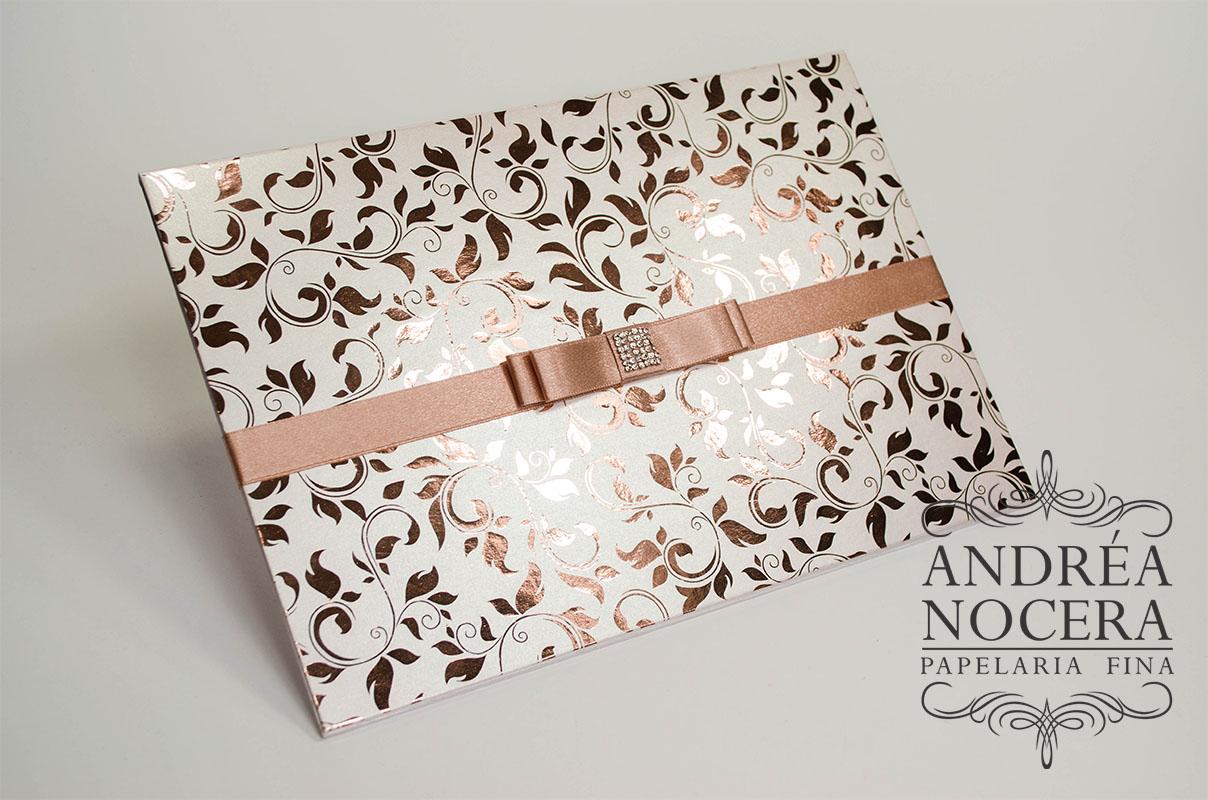 Convite branco e rose gold metalico
