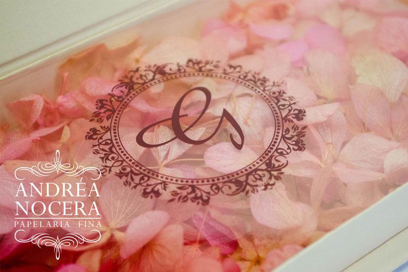 Convite de debutante floral cor marsala