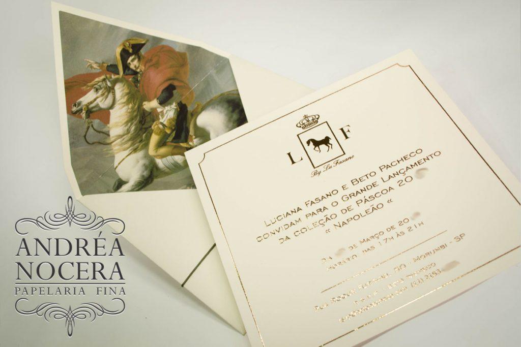 Convite com forro de imagem e impressão em relevo metalico