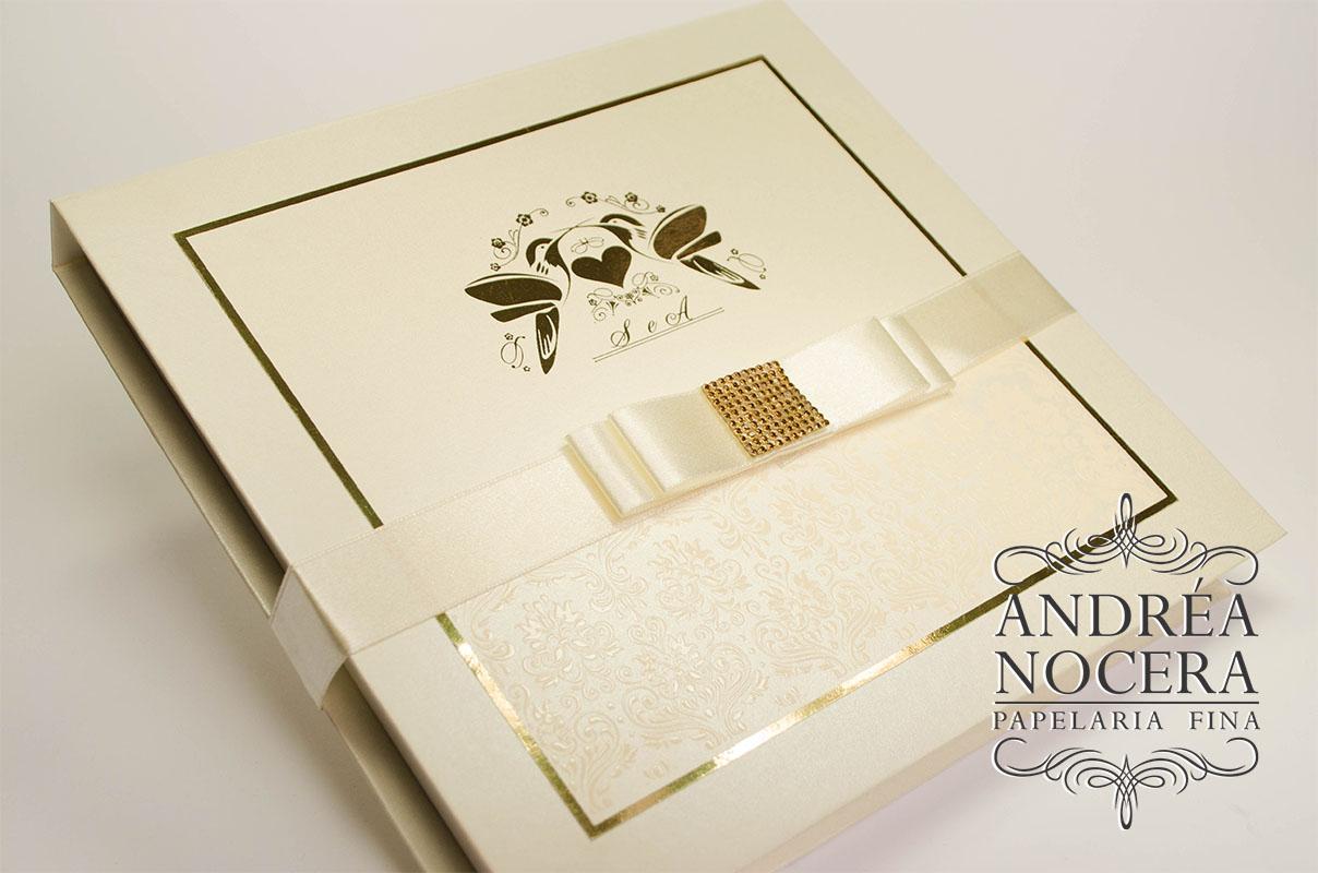 Convite box ouro com pérolas