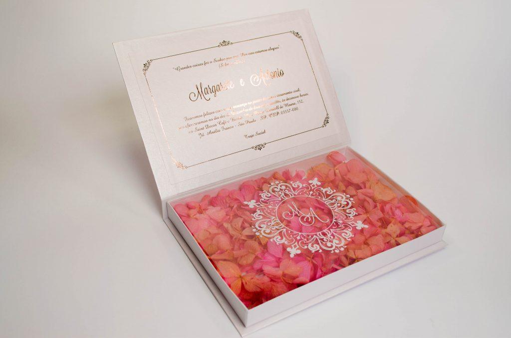 Convite box rose branco flores