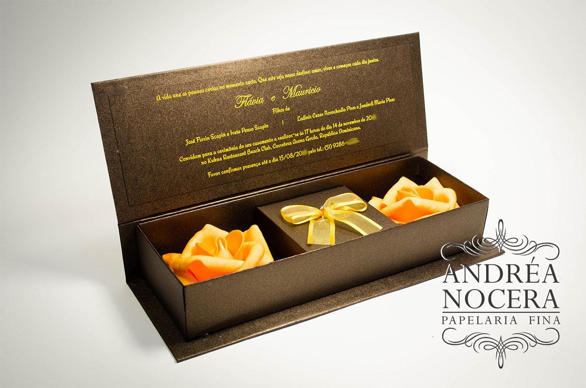 Convite box marrom com flores